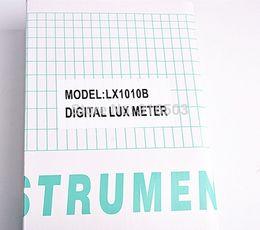 2019 medidores de lux Al por mayor-60pcs Medidor de luz 3 rango LX-1010B Medidor digital / Medidor de iluminancia digital 0 - 50000 Lux fotómetro de control remoto de exposición medidores de lux baratos