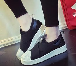 Wholesale burgundy sandals for women - Best Qualilty Summer SUPERSTAR SLIP ON Sandals Loafers For Men Women head crossed strap black and white low Tops unisex sneakers 36-44