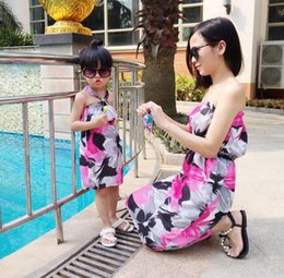 Wholesale Strapless Dress Wholesale Chiffon - Mother Daughter Matching Dress 2016 Mom and Baby Girl Clothes Beach Chiffon Dress Lining Floral Bohemian Strapless Dress Family Clothing 17