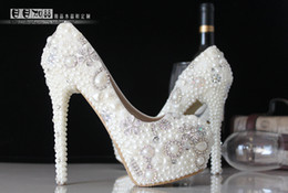 Wholesale Ivory Beaded Wedding Shoes - Luxury Pearls Crystals Wedding Shoes 12-13cm Waterproof High Heel Bridal Shoes Party Prom White iovry Bridal Accessories 2016