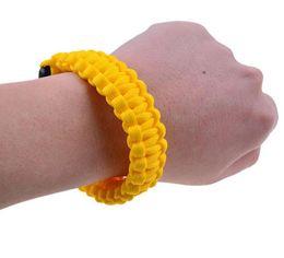 Наручные браслеты онлайн-Открытый кемпинг туризм выживания браслет комплекты Paracord шнур браслеты чрезвычайных веревка передач свисток открытый спасательный браслет