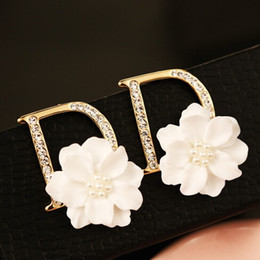 Wholesale Gold Plated Pearl Jewellery - European Brand Statement Earrings Pearl Shell Flower Letter D Stud Earrings for Women boucle d'oreille brincos pendientes bijoux jewellery