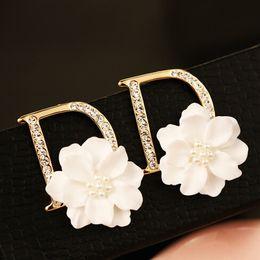 Wholesale Gold Jewellery Brands - European Brand Statement Earrings Pearl Shell Flower Letter D Stud Earrings for Women boucle d'oreille brincos pendientes bijoux jewellery