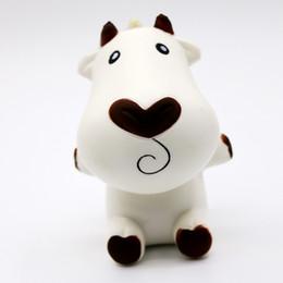 2019 brinquedos de vaca para crianças Novidade 10 Pçs / lote 11 Cm Lento Rising Squishy Vacas Brancos Grandes Encantos Pão Brinquedos Kid Brinquedo de Descompressão desconto brinquedos de vaca para crianças