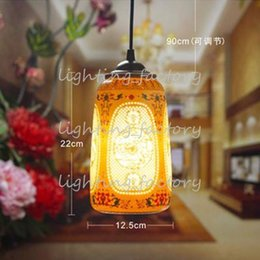 cerâmica pingentes luzes Desconto Luz Pingente LED Porcelana Bonita Estilo Chinês Jingdezhen Oco Loft Cerâmica Bar Café Restaurante Luzes Da Cozinha