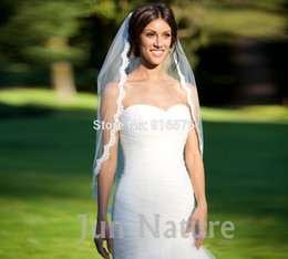 Wholesale Scalloped Edge Bridal Veil - Wholesale-2016 New Hot Sale Cheap Ivory White Wedding Bridal Veil With Scalloped Edge Lace With Comb Fingertip Length