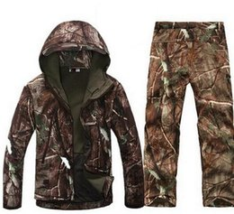 Wholesale Camouflage Waterproof Hunting Jacket - 2017 Tactical Softshell Men Army Sport Waterproof Hunting Clothes Set Military Jacket + Pants Camouflage Outdoor Jacket Suit