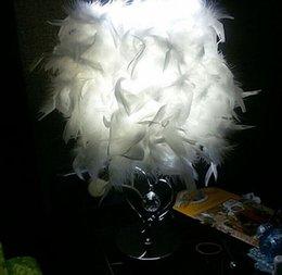 2019 lumière de la pièce en forme de coeur Chevet salle de lecture hall salon salon classique en forme de coeur blanc plume cristal lampe de table lumière lumière de la pièce en forme de coeur pas cher