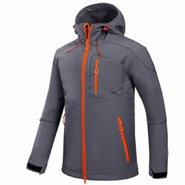 Atacado-2017 Windstopper Soft Outdoor Softshell Jaqueta impermeável Mens Caminhadas Escalada Mountain Ski Thermal Velo Esporte Jaquetas de