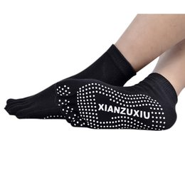 Wholesale Yoga Toe Socks Black - Wholesale-Mens Cotton Fashion Ventilation Slip Five Toes Socks Men Casual Sports Soft Yoga Socks Y6