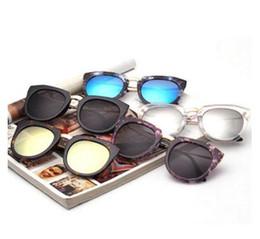 Wholesale Sunglasses Flowers - Fashion Vintage Women Oversized Sunglasses Brand Designer Men Flower Shades Mirror Sun Glasses For Woman And Male