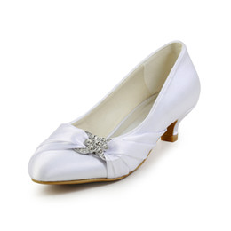 Wholesale Heels For Low Prices - 3cm hot Low heel nice ivory color pump closed shoe toe women bridal shoes made in China from size 35-42 for wholesale price