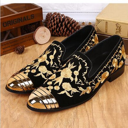 Wholesale Embroider Women Dress - 2016 Luxury New Floral Embroidered Chinese Shoes Slip On Gold Metallic Mens Loafers Leather Wedding Shoes Flat Men Women Loafers