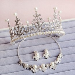 Wholesale Silver Pearl Bridal Sets - Gorgeous Bridal Jewelry Sets Silver Plated Pearls Headwear Three Pieces Crystal Necklace Earrings Crown Tiara Wedding Party Accessory BM