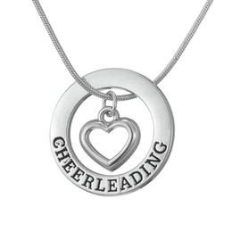 Deutschland Drop Shipping Cheerleading Affirmation Washer Herz Liebe Anhänger Cheerleader Cheer Cheering Halskette Teen Girls Geburtstagsgeschenk cheap cheerleader gifts Versorgung