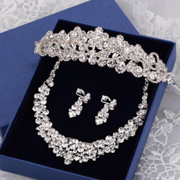 Wholesale Necklace Sparkling Earrings - Hot Luxurious Sparkling Crystal Rhinestones Wedding Bridal Accessories 2016 Latest High Quality Three Pieces Tiara Earrings and Necklace