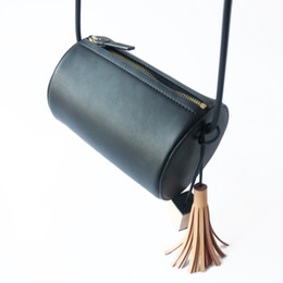 Wholesale Tie Chain Design - European and American style original design Imported high quality cowhide Tie-in leather block & tassel pendant Vintage Shoulder bag