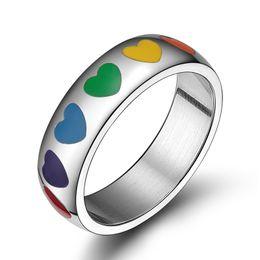 Unisex versprechen ringe online-Kostenlose Gravur mit einer beliebigen Mitteilung 6mm Edelstahl Gewölbter Rainbow Hearts Promise Rings Gay Pride Gift LGBT
