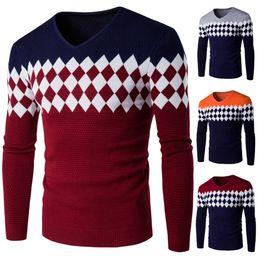 Новые стильные свитера онлайн-Новый мужской бренд свитера Зима Осень стильный Алмаз решетки трикотажные мужчины с длинным рукавом свитер мужчины V-образным вырезом свитер Мужские свитера пуловер M-2XL