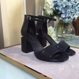 Wholesale Chunky Sandal Flats - HOT Summer sandals dress ladies shoes cowskin vampe sheepskin inside genuine leather tread modern fasion wear Delicate and soft black coour