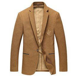 Argentina Al por mayor-Hombre Blazers traje otoño último estilo de negocios de lujo y el ocio se adapte a un estilo de un solo pecho traje amarillo 3XL cheap yellow leisure suit Suministro