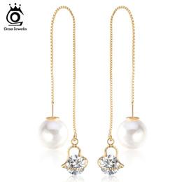 Wholesale wired pearl - Fashion Cute Ear Wire Earrings Female Models Long Drop Crystal Imitation Pearl Jewelry Dangle Earrings Brincos OME26