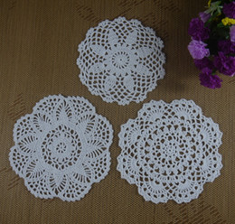 Wholesale hand crochet doilies - Free shipping 30PCS LOT wholesale 100% cotton hand made Crochet Doilies cup mat 13 color, Round Doily 18-20cm ab3h57