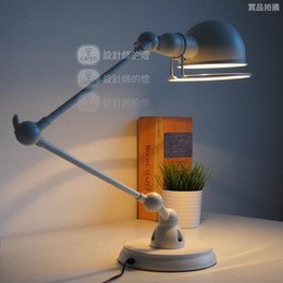 Wholesale Creative Industry bedroom bedside desk lamp European personality retro long mechanical folding arm rotatable lampshade table lamp