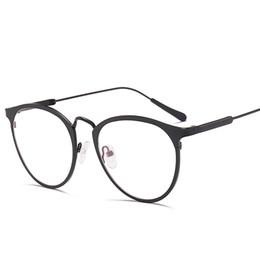 Canada Nouvelle bande oeil de chat lunettes transparent alliage cadre doré cadre classique optique Optiques lunettes lentille claire femmes hommes faux lunettes femme VE0136 supplier eye optics Offre
