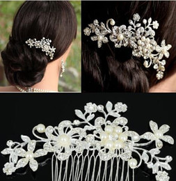 Wholesale Platinum White Hair - Fashion Bridal Wedding Tiaras Stunning Rhinestone Fine Comb Bridal Jewelry Accessories Crystal Pearl Hair Brush Free Shipping