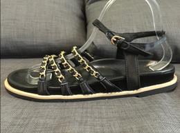 2019 hacer la cubierta del zapato zapatos reales! u388 40 2 colores sandalias planas de cadena de seda de cuero genuino lujo mujer moda negro beige c diseñador