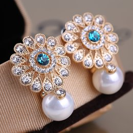 Wholesale Big Fashionable Earrings - Round Sun Flower Shape Ear Nail Big Pearl Wind Earrings Jewelry Female Fashionable Hot Sell Earring Top Quality