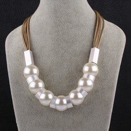 Wholesale Metal Gold Pearl - White Pearl Choker Necklace Classic Round Metal Necklace Beads Chain Graceful Ropes Necklaces Femininos For Elegant Women