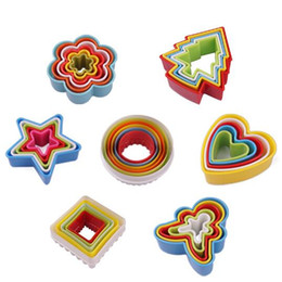 Wholesale Heart Shape Cutters - Hot Cookies Cutter Set Slicer Frame Cake DIY Mold Heart Shape Decor Edge Cutter Party Plastic Cookies Maker Kitchen Accessory CCA7619 200set