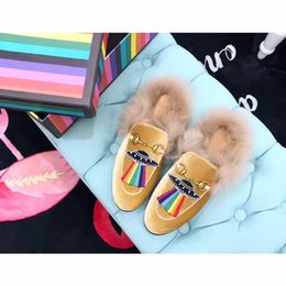 Wholesale Ladies Genuine Leather Slippers - 2017 Luxury Brand slippers women genuine leather mules Flat Mules Casual Shoes Loafers With Fur Fashion Outdoor Slippers Ladies winter Shoes