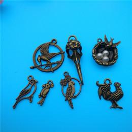 Wholesale Tibetan Silver Bird Beads - Mixed Tibetan Bronze Birds love Bird Head Charms Pendants Jewelry Making Bracelet Necklace Fashion Popular Jewelry Accessories DIY V166
