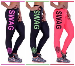 2019 polainas deportivas para mujeres Quick Dry Jogging Yoga Pants Impresión digital High Elasticity Sports Trousers Europe Slim Leggings Moda Mujer Black / Red / White SWAG LNSLgs polainas deportivas para mujeres baratos