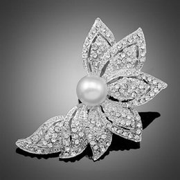 Wholesale Wholesale Pearl Rhinestone Brooches - 2Pcs Lot Wholesale Silver Pearl Flower Leaf Rhinestone Crystal Wedding Jewelry Brooch Pin Women Fashion Brooches