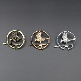 Wholesale Mockingjay Gold Wholesale - 2016 Best Selling The Hunger Games Antique Bronze Plated Mockingjay Pin Brooch Brooches