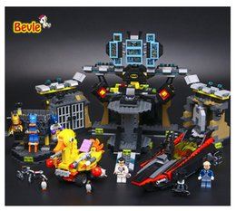 Wholesale Plastic Toy Bat - 2017 New LEPIN 07052 Batman Movie Batcave Break-in Man-Bat Bricks Sets Building Block Toys Gift For Children Batman 70909