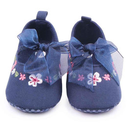 Wholesale baby casual shoes high - New Baby Casual Shoes for Girls High Quality Hand Embroidery Design Elastic Lace with Bowknot Soft Sole Anti-slip