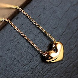 Wholesale Gold Heart Shaped Pendant Necklace - Trendy Heart Shape Pendant Necklace Lovely Women Necklaces Classic Gold Plated or Silver Pendants Jewelry Valentine's Day Gift free shipping