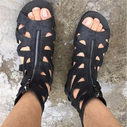 Wholesale Retro Gladiator Sandals - 2016 Euro New Style Men Zip Sandals Rome Retro Black Leather Gladiator Sandals Men Shoes Flats Cut Out Summer Boots Sandalias Mujer