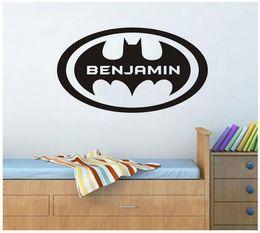 Canada Personnaliser Personnaliser Nom Batman FLy Cercle Animation sticker mural autocollant pour décor de chambre d'enfants 51 * 28 cm supplier personalized name stickers kids Offre