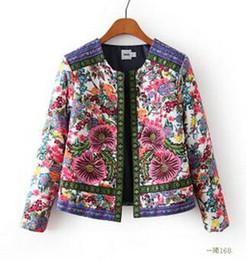 3058bbad4d Al por mayor- Nuevo 2017 Otoño Invierno Mujer prendas de vestir exteriores  Vintage Señora de las mujeres étnicas estampado de flores bordadas chaqueta  corta ...
