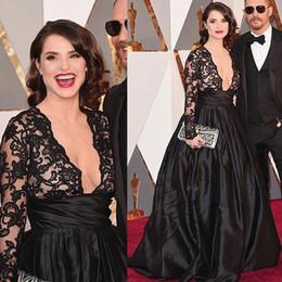 Robes de célébrité de dentelle de v-cou de v-cou de dentelle avec des appliques de dentelle noire manches longues robes de bal robe soirée élégante ? partir de fabricateur