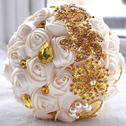 fashion flowers brooch Promo Codes - 2019 New Style Fashion Wedding Bouquets Golden Brooch Pearls Beading Satin Roses Romantic Wedding Colorful Bridal Bouquets