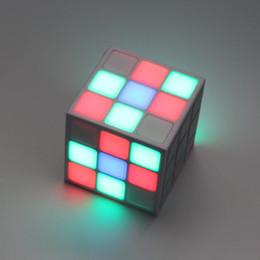 Canada Magic Cube Conception Coloré 36 LED Flash Bluetooth Mini Haut-Parleur Sans Fil Portable Super Bass Son Subwoofer Mains Libres pour iPhone Tablet PC Offre