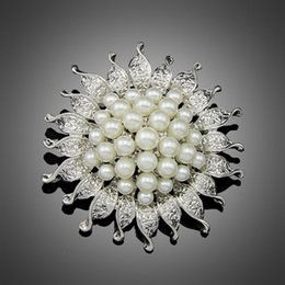 Wholesale Cheapest Wedding Bouquets - Cheapest High Quality Platinum Silver Plated Flower Five Cream White Simulated Pearl Brooch Bouquet for Wedding