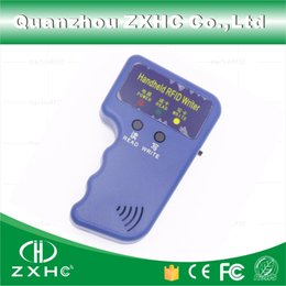 rfid копир Скидка Wholesale-Handheld ID Cards 125KHz RFID Copier Reader Writer Duplicator Used for T5577 EM4305 Copy